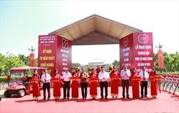 Agribank chi nhánh Hóc Môn trao tặng phương tiện hoạt động cho khu tưởng niệm liệt sĩ Ngã Ba Giồng.