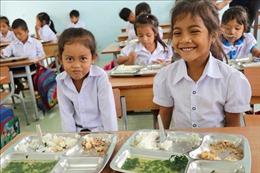 'Cơm có thịt' lần đầu đến với học sinh dân tộc thiểu số nghèo Tây Nguyên
