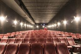 Chinachem Group tặng vé xem phim miễn phí cho người già ở Hồng Kông