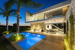 Công dân châu Á có thể nhận được thẻ xanh ở EU khi đầu tư 500.000 euro mua nhà ở Valencia