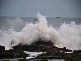 Sri Lanka sơ tán hàng chục nghìn người dân để tránh bão Burevi