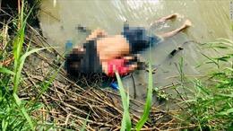 Ám ảnh tấm hình hai cha con di cư chết đuối ở biên giới Mỹ - Mexico