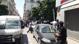 Đánh bom liều chết gần Đại sứ quán Pháp làm rung chuyển thủ đô Tunisia