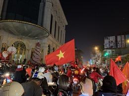 Đêm không ngủ của người dân Thủ đô khi U22 Việt Nam vô địch SEA Games 30