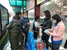 Hà Nội chủ động phòng ngừa virus Corona trên xe buýt, taxi