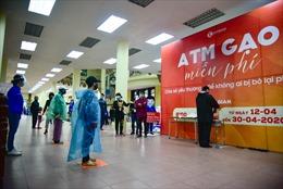 Mở thêm điểm 'ATM gạo' miễn phí tại Hà Nội, nhiều nhà hảo tâm ủng hộ chương trình