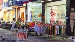 Sau nới lỏng giãn cách xã hội: Tái diễn tình trạng lấn chiếm không gian công cộng tại Hà Nội