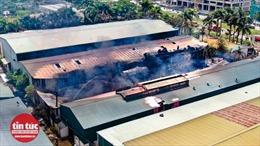 Cần minh bạch thông tin tới người dân về vụ cháy kho hoá chất ở Long Biên