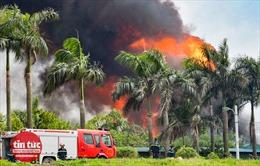 Toàn cảnh vụ cháy kho hoá chất tại Long Biên, Hà Nội