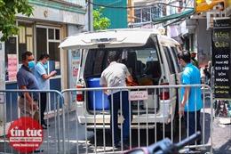 Phong toả nơi ở của ca nghi nhiễm COVID-19 tại Mễ Trì, Hà Nội