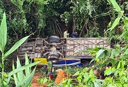 Yêu cầu điều tra vụ TNGT làm 40 người thương vong tại Kon Tum