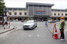 Hà Nội thông báo khẩn tìm lái xe ô tô chở nam thanh niên nghi nhiễm COVID-19