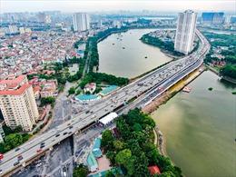 Hà Nội: Thông xehai cầu vượt thấp quahồ Linh Đàm
