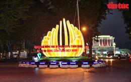 Hà Nội rực sáng trong đêm chào mừng Đại hội XIII của Đảng