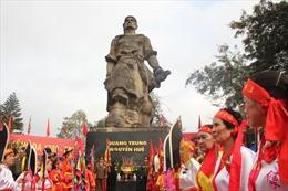 Thường trực Thành uỷ Hà Nội dâng hương tưởng nhớ Vua Quang Trung-Nguyễn Huệ