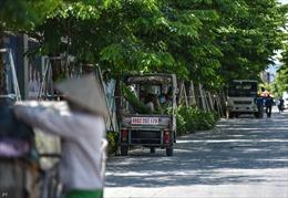 Người lao động Hà Nội chọn gầm cầu làm nơi tránh nắng nóng 50 độ C
