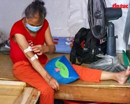 Người dân 'xóm chạy thận' ở Hà Nội vật lộn dưới cái nóng gay gắt