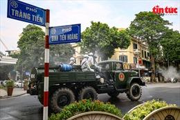 Cận cảnh dàn xe đặc chủng phòng chống COVID-19 tại Hà Nội