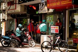 Hà Nội hướng dẫn các siêu thị, bưu chính đăng ký cho 'shipper' được phép hoạt động