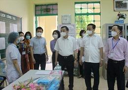 Video Chủ tịch UBND thành phố Hà Nội kiểm tra công tác thi tốt nghiệp THPT