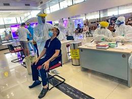 Người nhập cảnh về Hà Nội phải tiêm đủ 2 liều vaccine hoặc có giấy xác nhận khỏi bệnh, cách ly 7 ngày