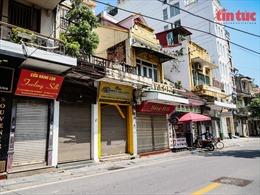 Hà Nội: Các tuyến phố 'thời trang' đìu hiu trong ngày đầu mở cửa trở lại