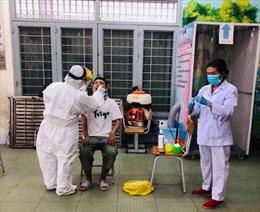 TP Hồ Chí Minh lấy mẫu xét nghiệm COVID-19 với người về từ Đà Nẵng như thế nào?