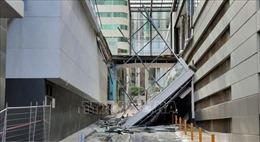 Sập cầu đi bộ nối 2 tòa nhà ở thành phố Tây Australia