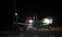 Cứu hộ thành công tàu cá bị phá nước ở Bình Định