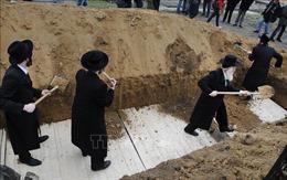 Phát hiện thi thể người Do Thái gần hố chôn tập thể ở Romania từ thời chiến tranh