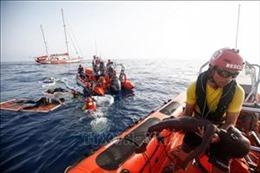 Italy bắt giữ tàu cứu hộ của Đức