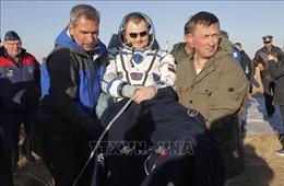 Ba nhà du hành vũ trụ trở về Trái Đất an toàn