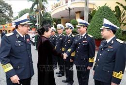 Chủ tịch Quốc hội thăm và làm việc tại Quân chủng Hải Quân