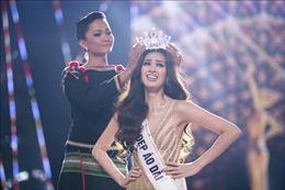 Nguyễn Trần Khánh Vân đăng quang Hoa hậu Hoàn vũ Việt Nam 2019