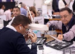 Độc đáo hội chợ kim cương lớn nhất Trung Đông ở Israel