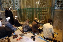 Iran đóng cửa các đền thờ Hồi giáo
