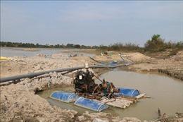 Rầm rộ bơm hút cát tại hồ Châu Pha khi dự án còn nằm trên giấy