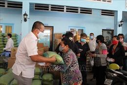 Hỗ trợ bà con Campuchia gốc Việt gặp khó khăn do dịch COVID-19
