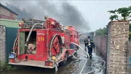 Cháy xưởng sản xuất bật lửa ở Hải Dương