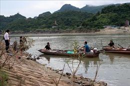 Khẩn trương tìm kiếm học sinh lớp 11 bị đuối nước ở sông Đà