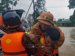 Sạt lở đất khiến 2 người chết, nghi còn 4 người mất tích ở Quảng Trị