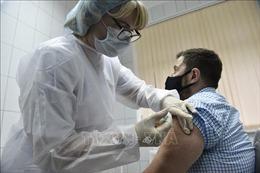 Nga cấp phép thử nghiệm lâm sàng vaccine ngừa COVID-19 của Trung Quốc
