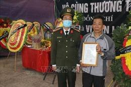 Thăng quân hàm Trung tá đối với Thiếu tá Vi Văn Luân hy sinh khi truy bắt tội phạm