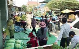 Hỗ trợ người gốc Việt tại Campuchia đang cách ly phòng dịch COVID-19