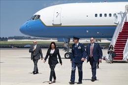 Máy bay chở Phó Tổng thống Mỹ gặp sự cố kỹ thuật