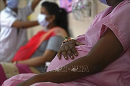 Mỹ kêu gọi phụ nữ mang thai tiêm vaccine ngừa COVID-19