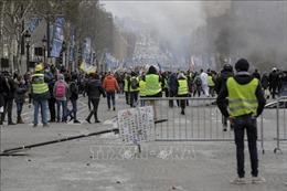 Thủ tướng Pháp: Hành động đốt phá là 'không thể chấp nhận được'