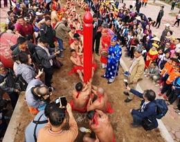 Việt Nam và Hàn Quốc trình diễn nghi lễ 'kéo co ngồi'