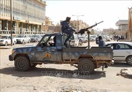 Không kích 'cảnh cáo' máy bay đang cất cánh ở Libya