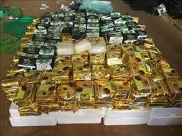Thưởng 'nóng' Ban chuyên án triệt phá vụ vận chuyển hơn 5kg ma túy đá và 4.000 viên ma túy tổng hợp